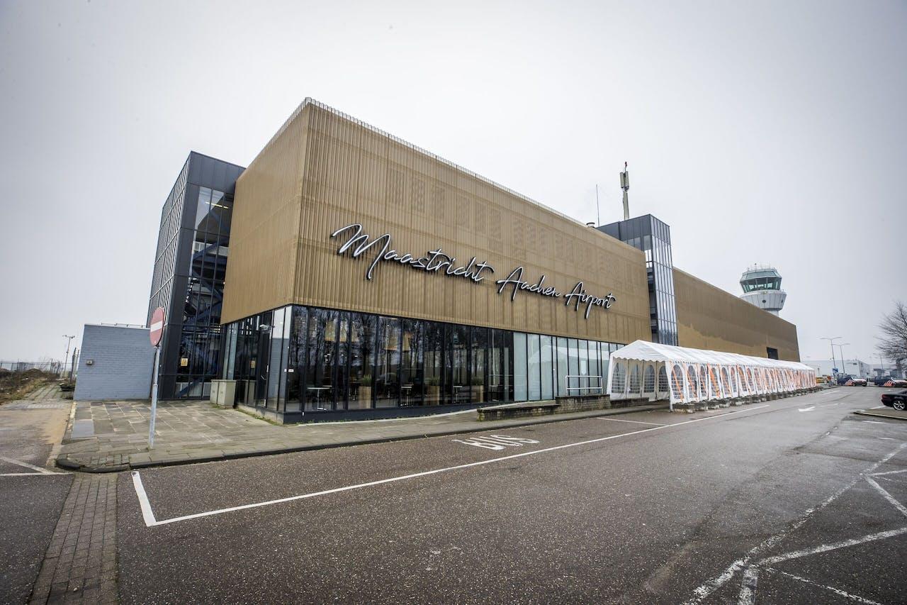 Exterieur van Maastricht Aachen Airport.