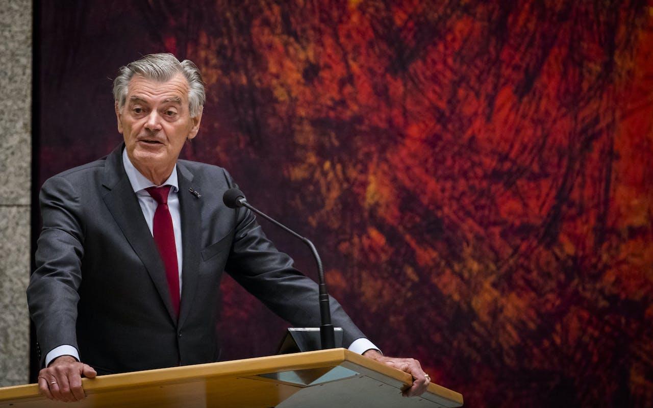 50Plus-Kamerlid Martin van Rooijen wil 15 uur spreken.