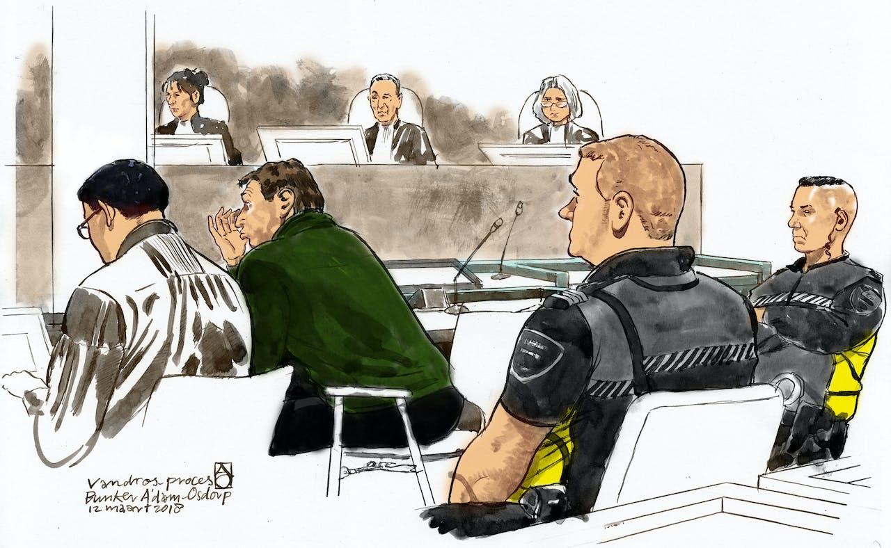 2018-03-12 00:00:00 AMSTERDAM - Willem Holleeder en zijn advocaat Robert Malewicz in de rechtbank van Amsterdam Osdorp tijdens het getuigenverhoor van zijn zus Astrid Holleeder bij de voortzetting van zijn strafzaak.