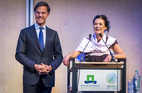 Premier Mark Rutte en Prof.dr ir. Louise O. Fresco
