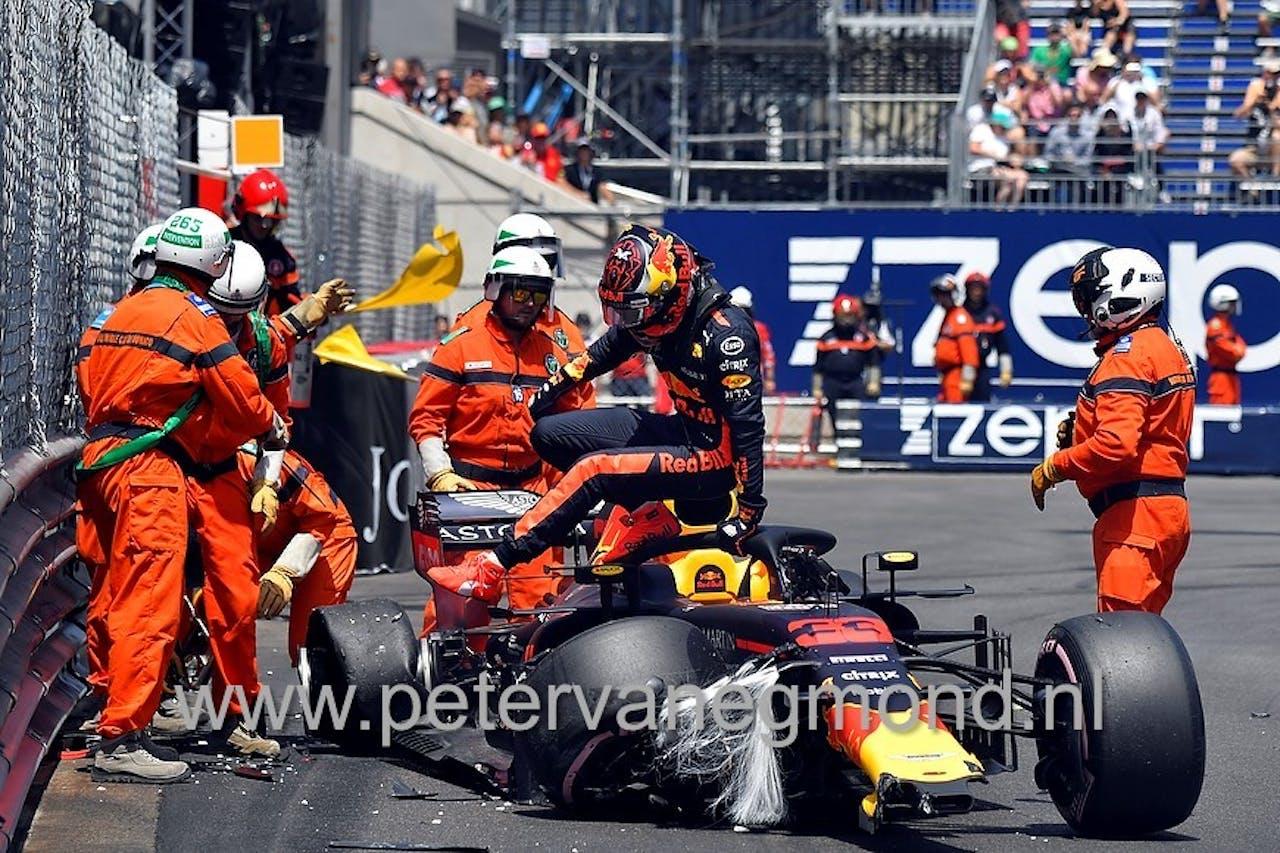 Verstappen knalt in de muur (Grand Prix Monaco)