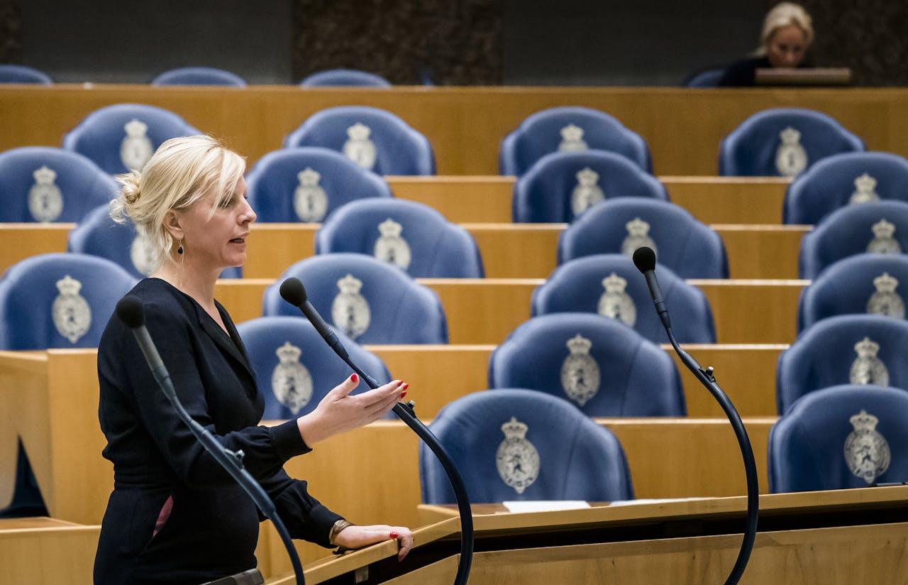 Attje Kuiken (Pvda) tijdens het Tweede Kamerdebat