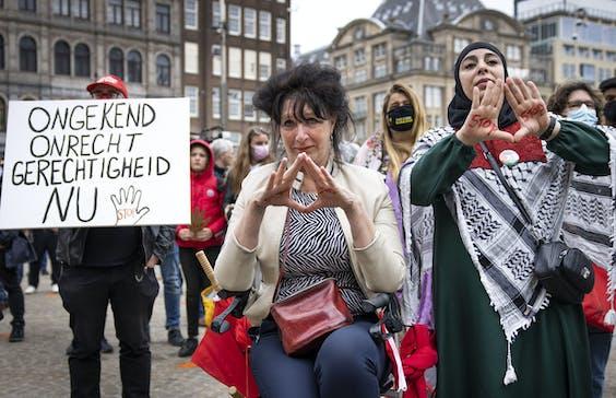 Gedupeerden Toeslagenaffaire protesteren op de Dam