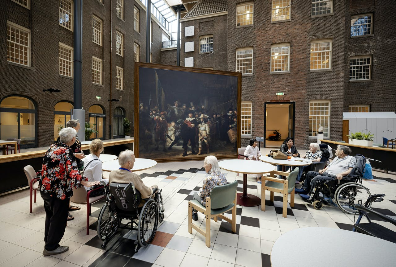 Bewoners van het Dr. Sarphatihuis in Amsterdam