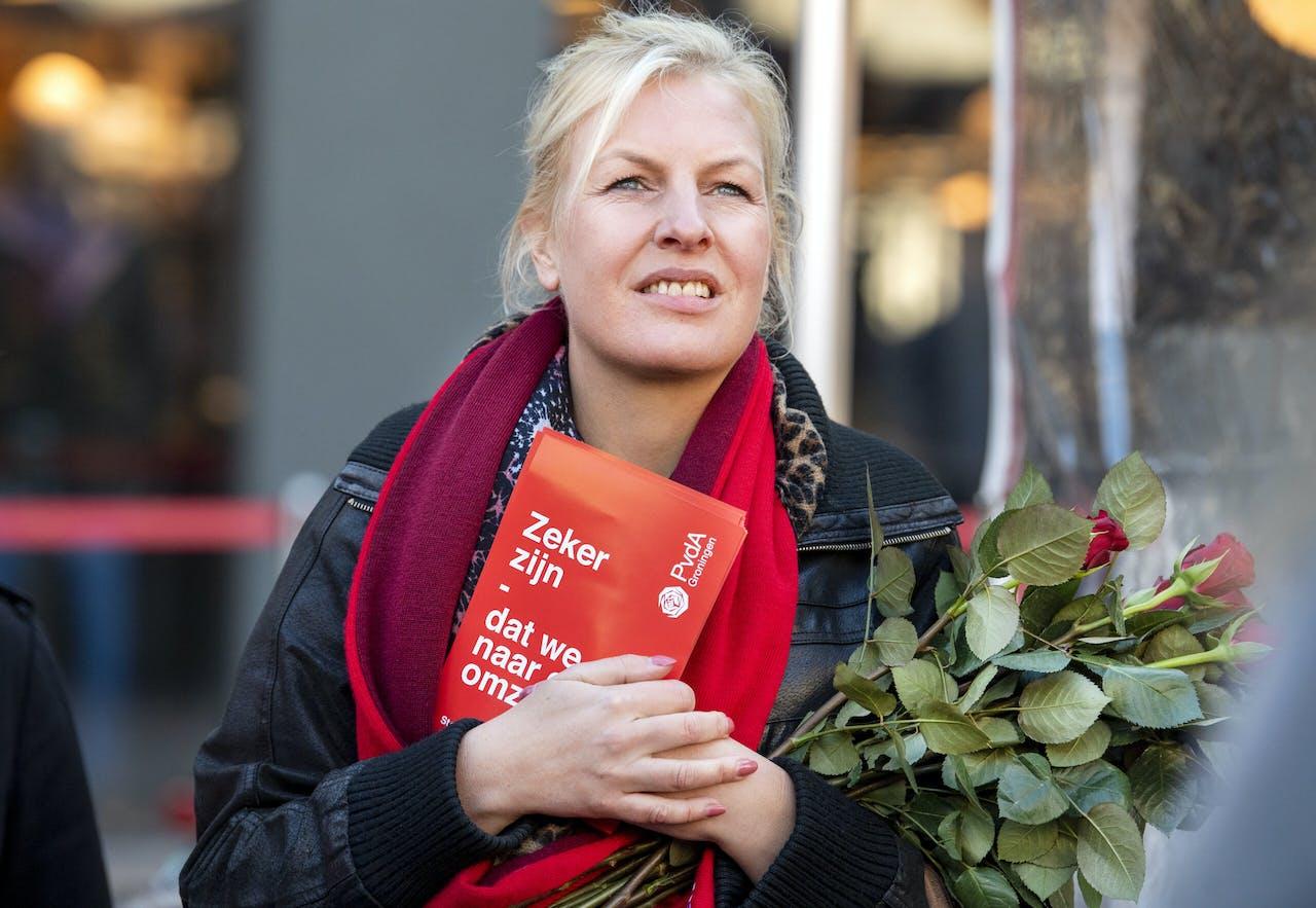 Attje Kuiken op campagne in de stad Groningen