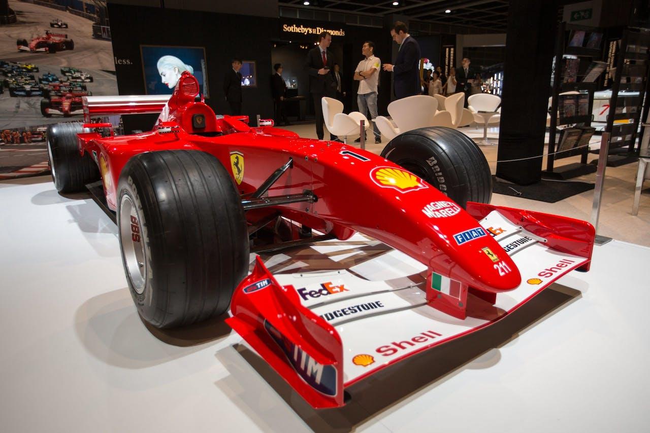 De F2001