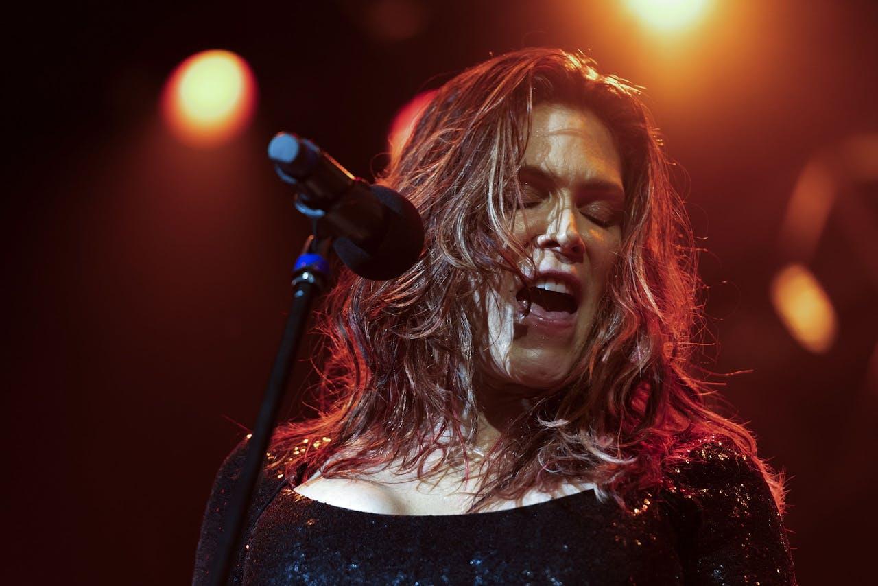 Beth Hart tijdens een optreden in Basel, Zwitserland