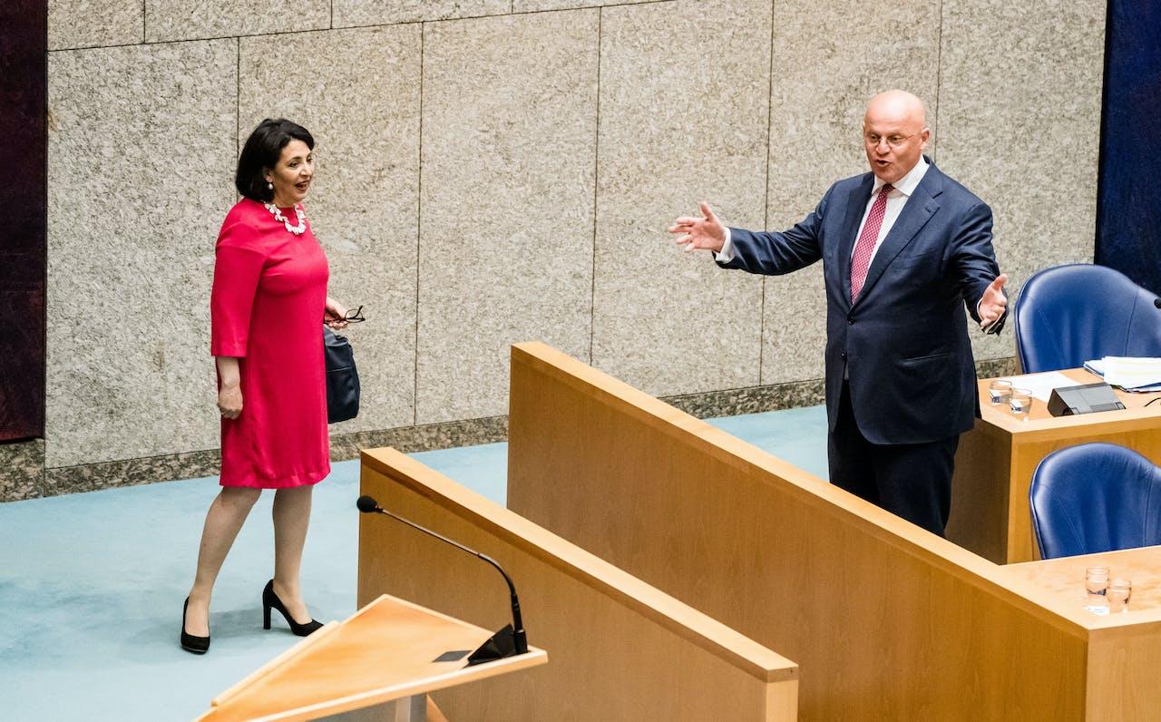 Kamervoorzitter Khadija Arib en Minister Ferdinand Grapperhaus van Justitie en Veiligheid (CDA).