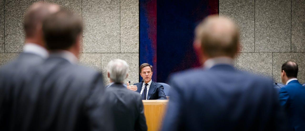 Premier Mark Rutte tijdens een eerder debat over het afschaffen van de dividendbelasting.