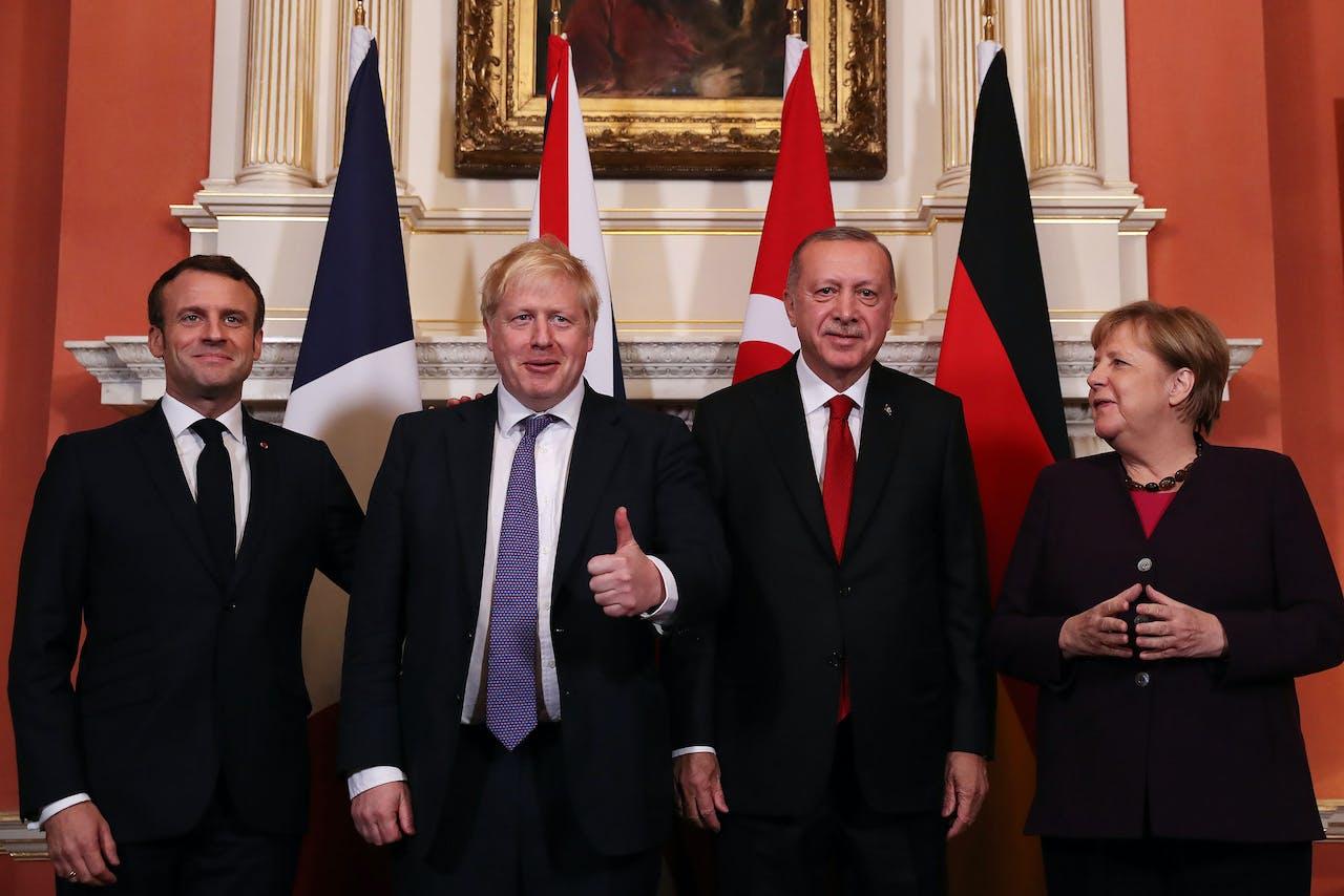 Met alle liefs uit Londen: Macron, Johnson, Erdogan en Merkel