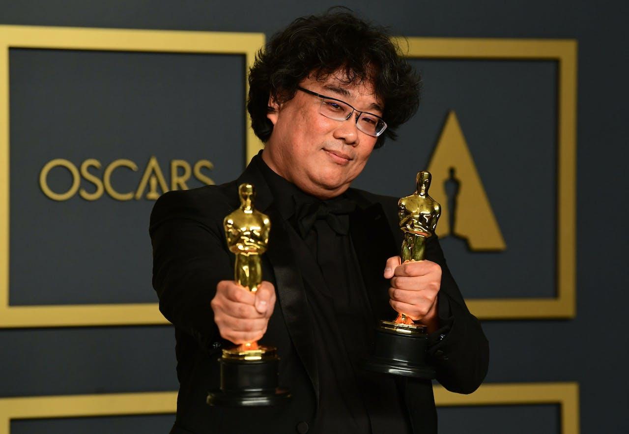 De Zuid-Koreaanse regisseur Bong Joon-ho kwam met zijn film Parasite als grote winnaar uit de bus.