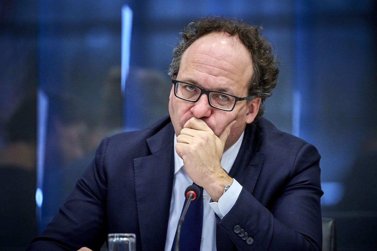Minister Wouter Koolmees van Sociale Zaken en Werkgelegenheid (D66) tijdens het algemeen overleg in de Tweede Kamer over onnodige pensioenkortingen.