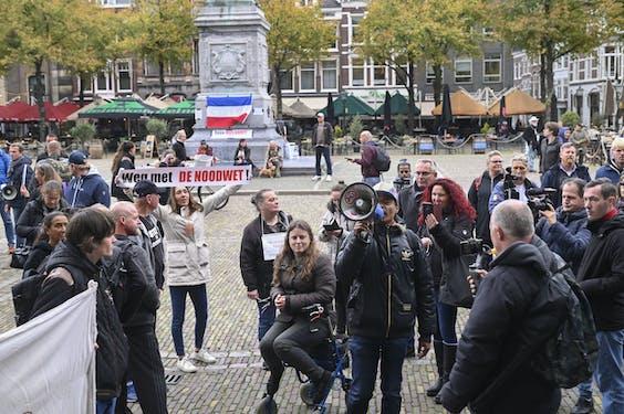 Coronademonstranten op het Plein in Den Haag