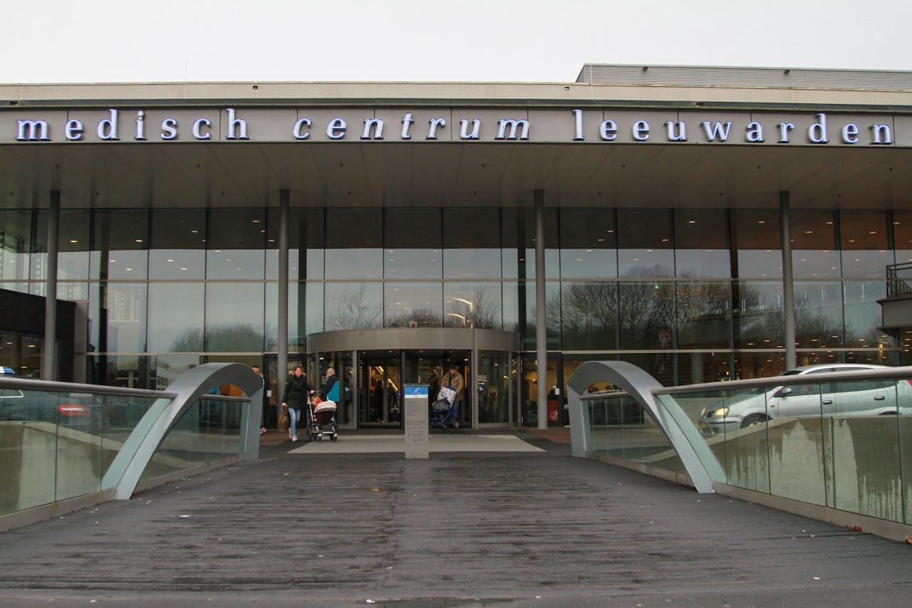 Na een poging van hackers om de systemen van het Medisch Centrum Leeuwarden aan te vallen is het dataverkeer vanuit het ziekenhuis stil gelegd.