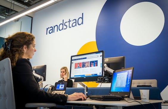 Medewerkers van uitzendbureau Randstad.