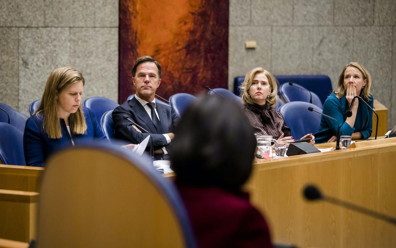 Minister Carola Schouten van Landbouw, Natuur en Voedselkwaliteit (ChristenUnie), Premier Mark Rutte, Minister Cora van Nieuwenhuizen van Infrastructuur en Waterstaat (VVD) en Minister Stientje van Veldhoven voor Milieu en Wonen (D66)