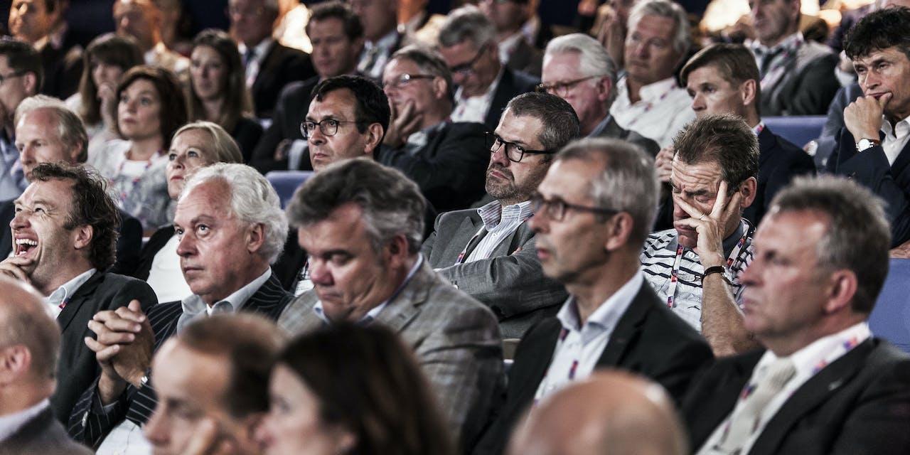 (Vooral) mannen in vergadering