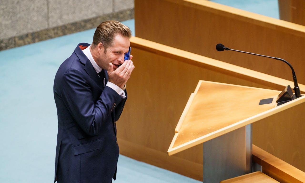 2020-06-16 15:38:09 DEN HAAG - Minister Hugo de Jonge van VWS tijdens het wekelijkse vragenuur in de Tweede Kamer. ANP MARTIJN BEEKMAN