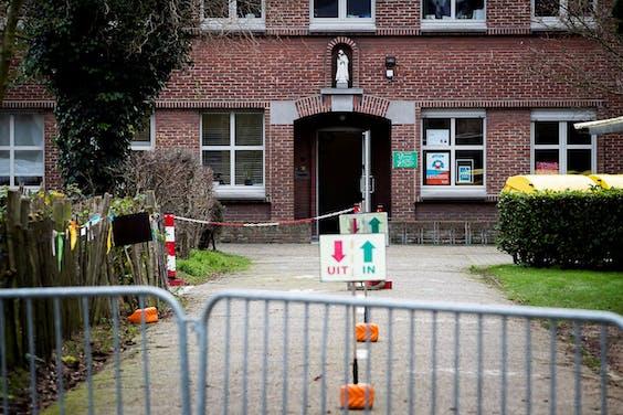 Gesloten basisschool in Edegem, Antwerpen