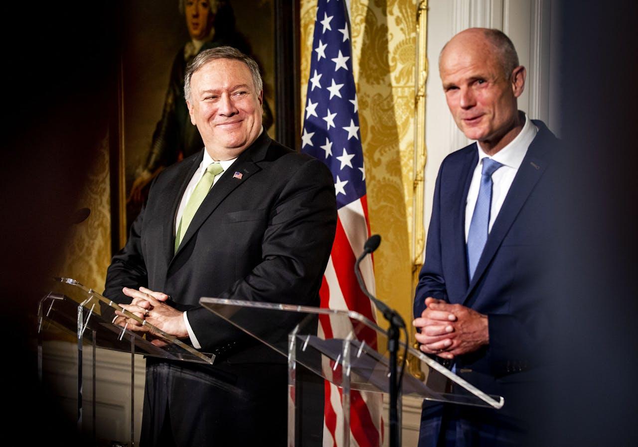 2019-06-03 13:03:54 DEN HAAG - Minister Stef Blok van Buitenlandse Zaken en zijn Amerikaanse collega Mike Pompeo geven een persconferentie na een bilateraal overleg. ANP REMKO DE WAAL