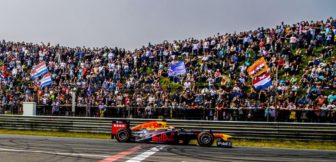 Max Verstappen en Daniel Ricciardo bij de Jumbo Familie Racedagen op het Circuit Park Zandvoort.