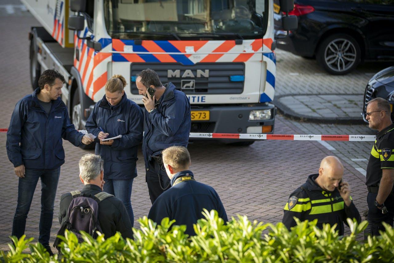 Bij een schietpartij aan de Imstenrade in Buitenvelder is de advocaat van kroongetuige Nabil B. doodgeschoten. De schutter is te voet gevlucht.