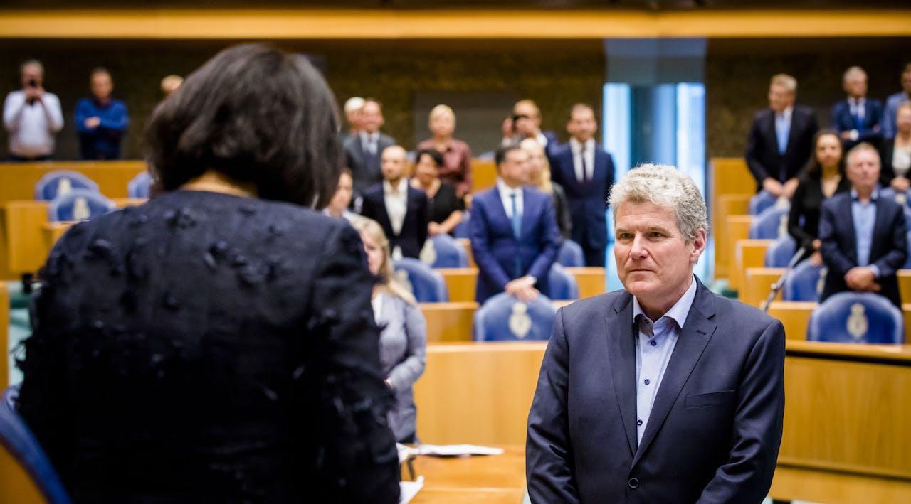 De Groningse PvdA-politicus William Moorlag wordt beëdigd als lid van de Tweede Kamer.