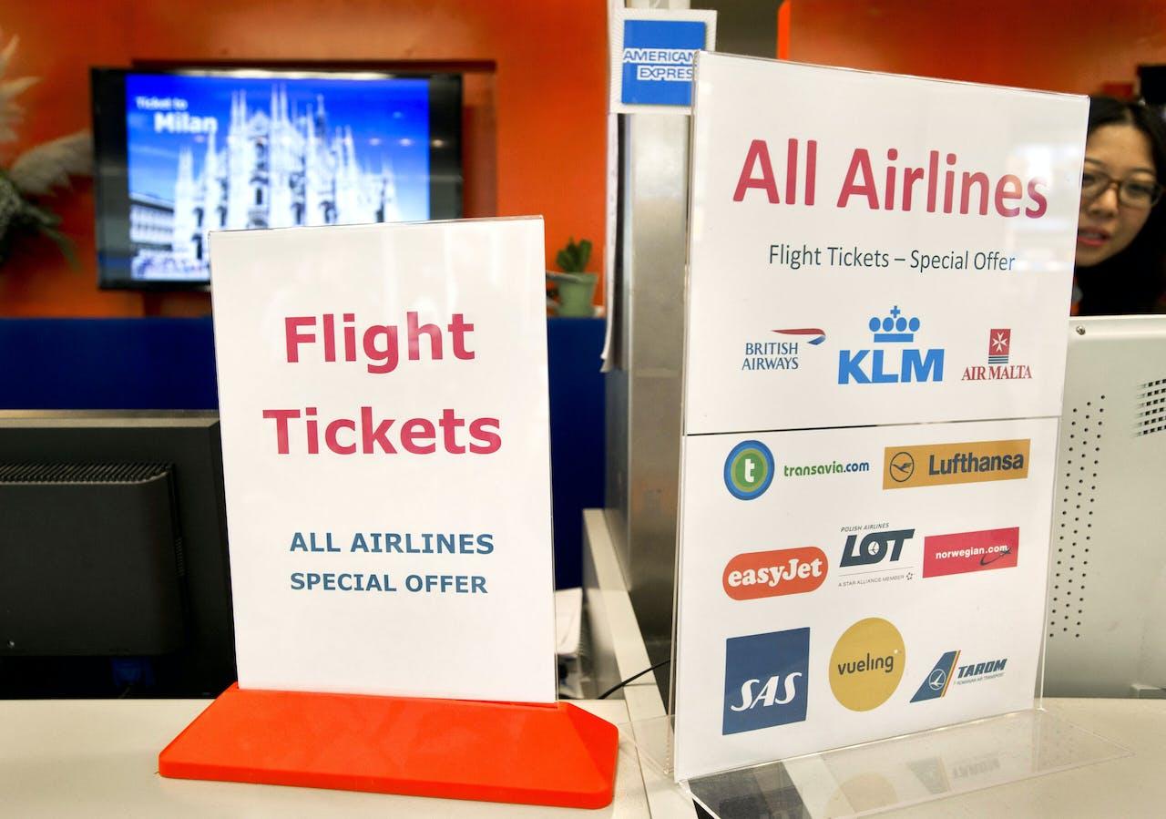 Een ticket desk op luchthaven Schiphol.