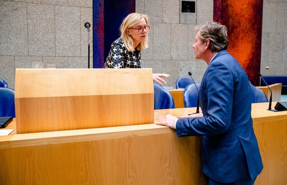 Joel Voordewind (Christenunie) en Minister Sigrid Kaag