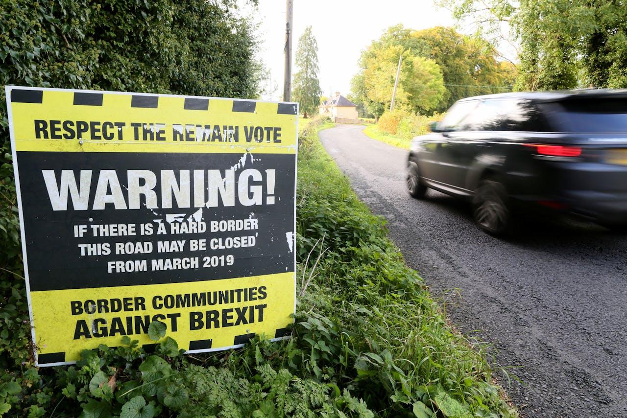 Protestbord bij de Ierse grens in het Verenigd Koninkrijk.