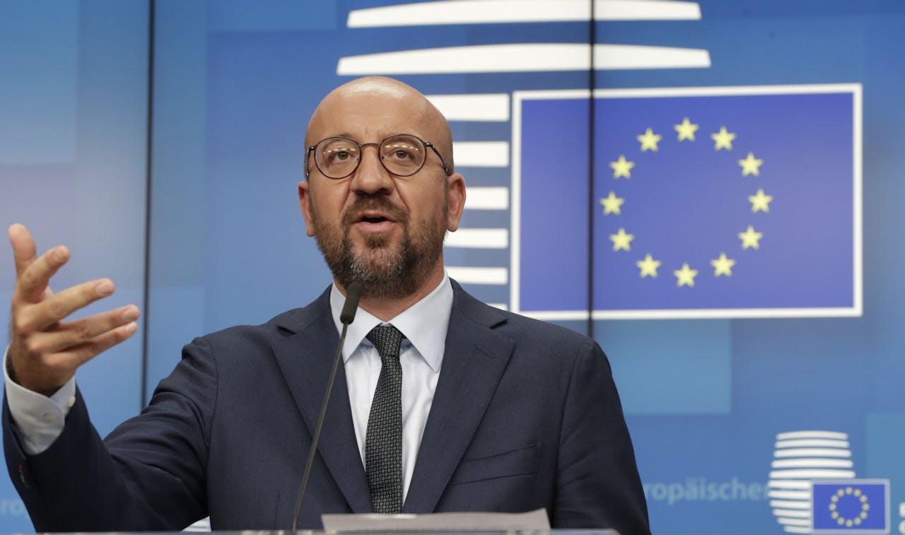 EU-president Charles Michel licht het besluit van de EU-leiders toe