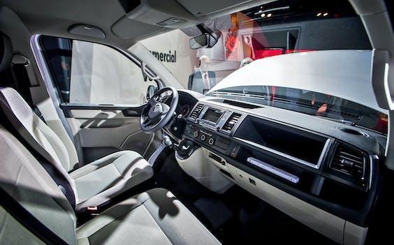 Er rijden volgend jaar tienduizenden auto's rond die niet langer aan de beveiligingseisen voldoen. Het gaat om auto's met zogenoemde 'keyless entry-systemen', waarbij je de auto openmaakt zonder sleutel.