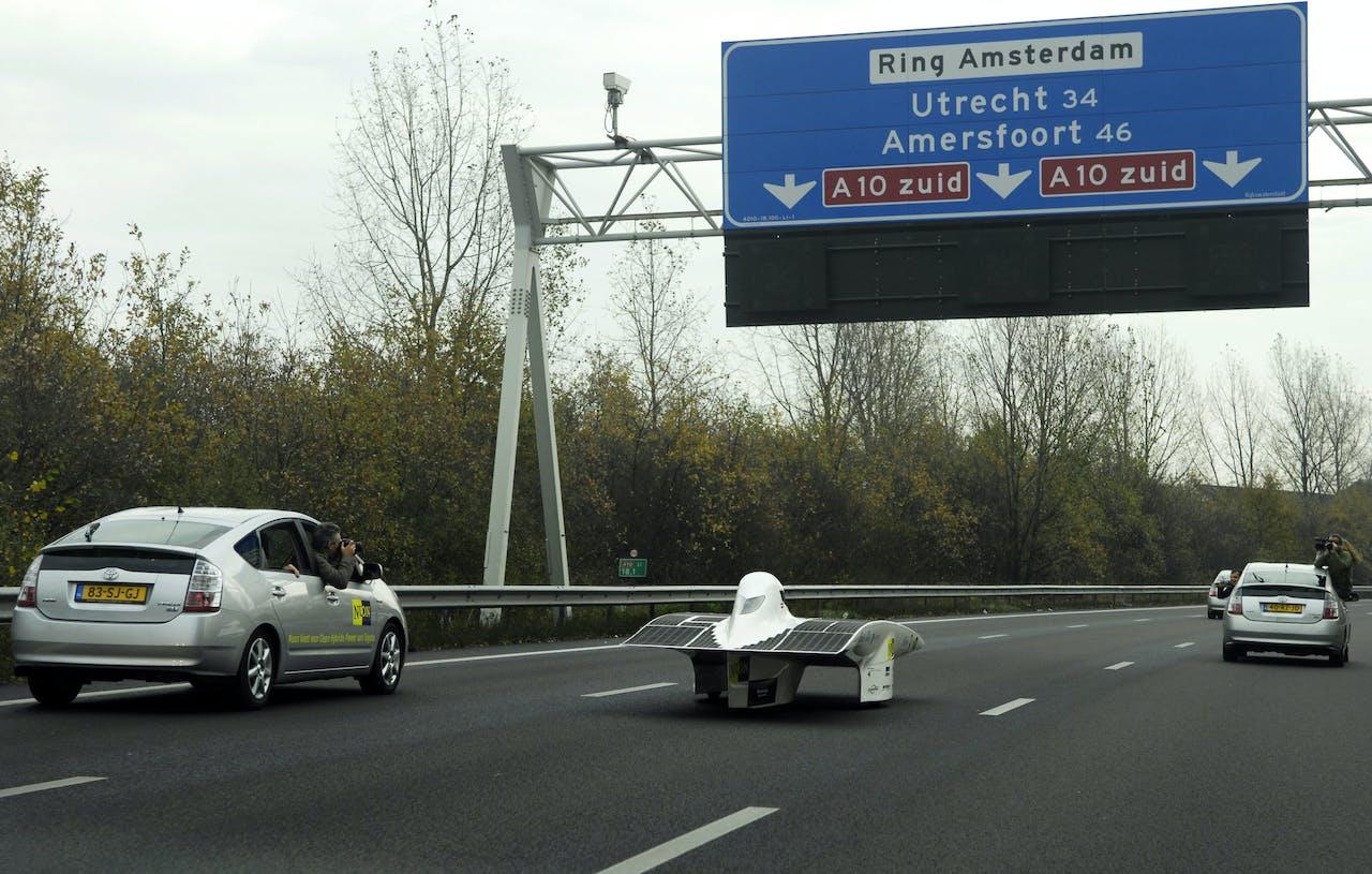 De bekendste door zonne-energie aangedreven auto, de Nuna4 van de TU Delft.
