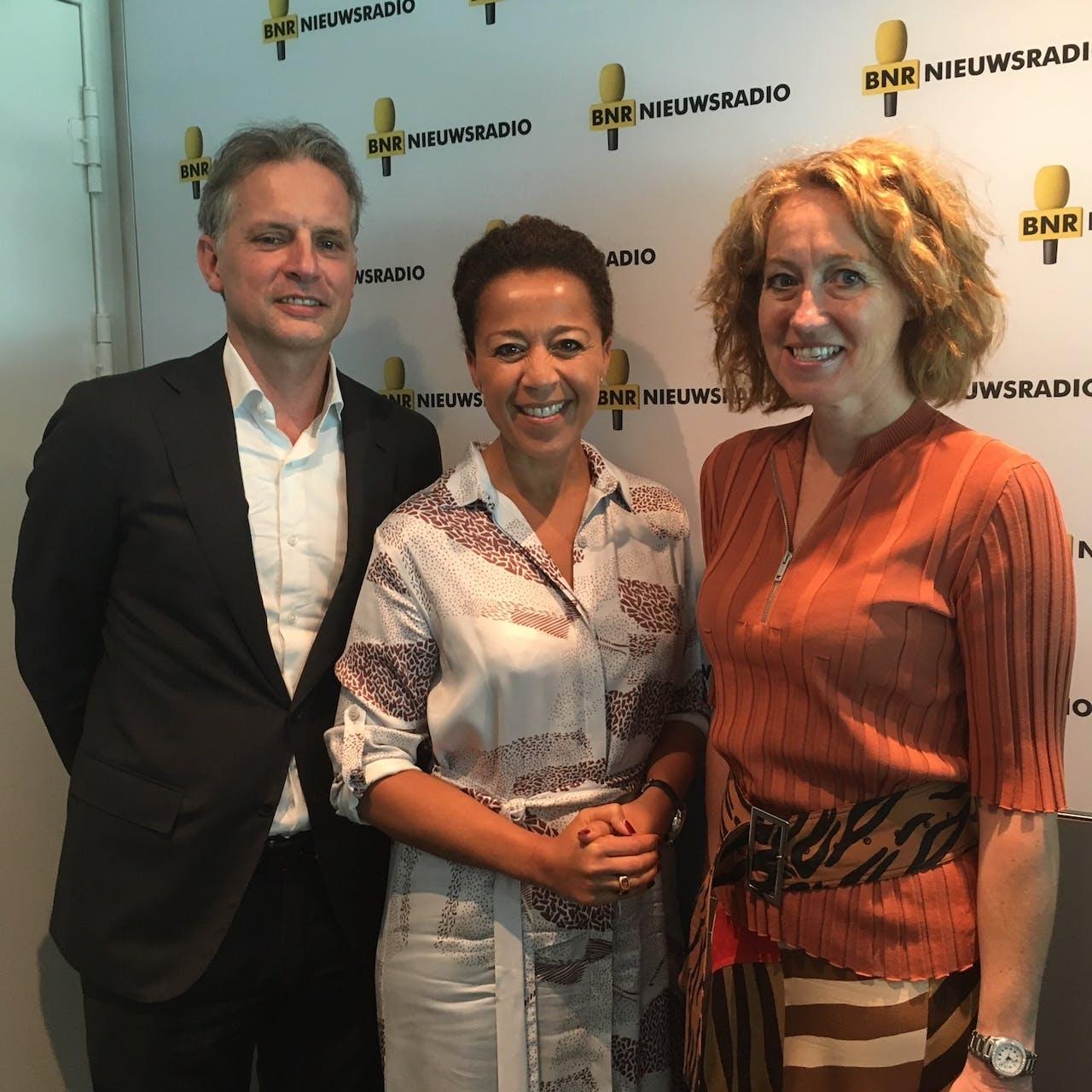 Ad van Gils (PwC), Diana Matroos en Herna Verhagen (PostNL)
