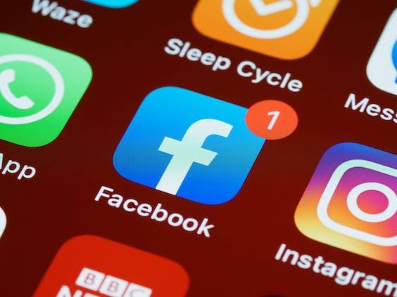 Facebook bereidt naamsverandering moederbedrijf voor