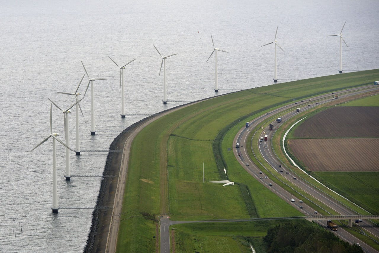 E-Fuels worden gemaakt uit elektriciteit die is opgewekt door wind- of zonne-energie