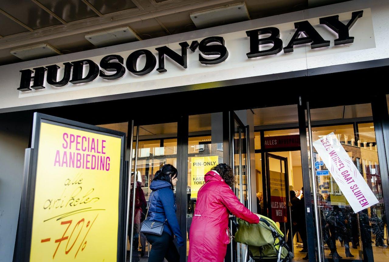 De laatste week van de opheffingsuitverkoop van winkelwarenhuis Hudsons Bay.