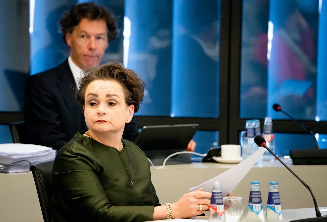 Staatssecretaris Alexandra van Huffelen van Financien tijdens een algemeen overleg over de Belastingdienst in de Tweede Kamer.