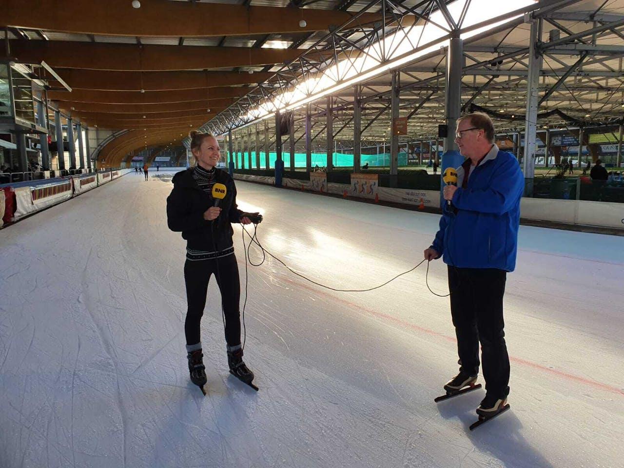 Karlijn Meinders in gesprek met Frank Zuurendonk, ijsmeester bij Ijsbaan Haarlem.