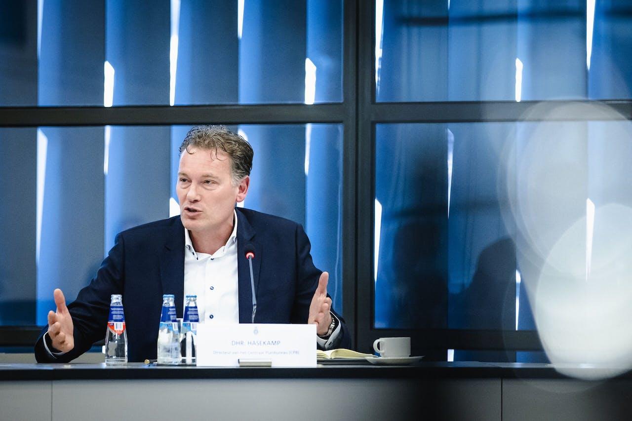 Directeur Pieter Hasekamp van het Centraal Planbureau (CPB)