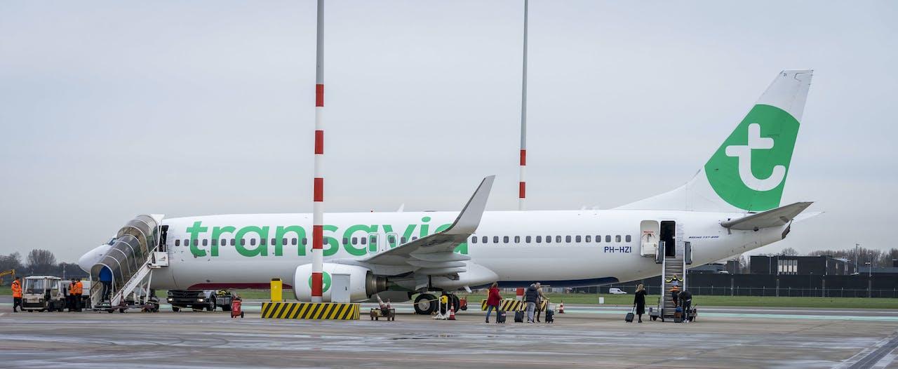 Transavia-toestel op Rotterdam The Hague Airport.