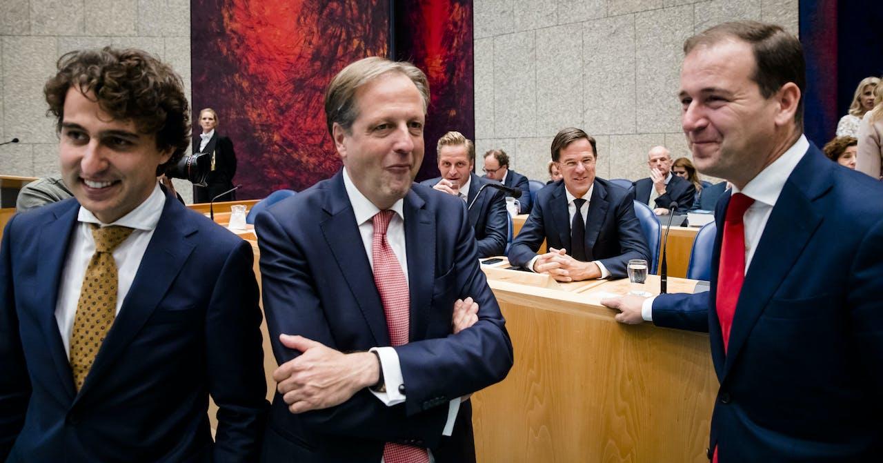 2018-09-19 15:12:19 DEN HAAG - (VLNR) Alexander Pechtold (D66), Jesse Klaver (Groenlinks), Minister Hugo de Jonge van Volksgezondheid, Welzijn en Sport (CDA), Premier Mark Rutte en Lodewijk Asscher (PVDA) tijdens de Algemene Politieke Beschouwingen. De fractieleiders van de politieke partijen bespreken de hoofdlijnen van de Miljoenennota en de rijksbegroting. ANP BART MAAT