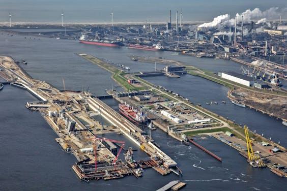 Tata Steel bij IJmuiden