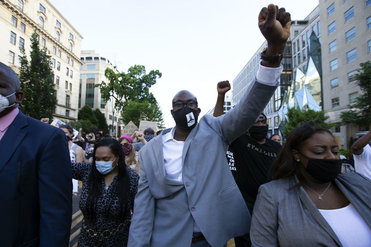 De broer van George Floyd tijdens een eerder protest