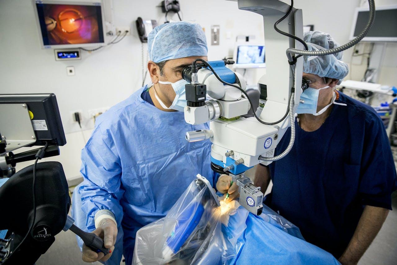 Een operatierobot voor oogchirurgie in het Oogziekenhuis Rotterdam. Dit ziekenhuis is een van de pioniers op het gebied van superspecialisatie.