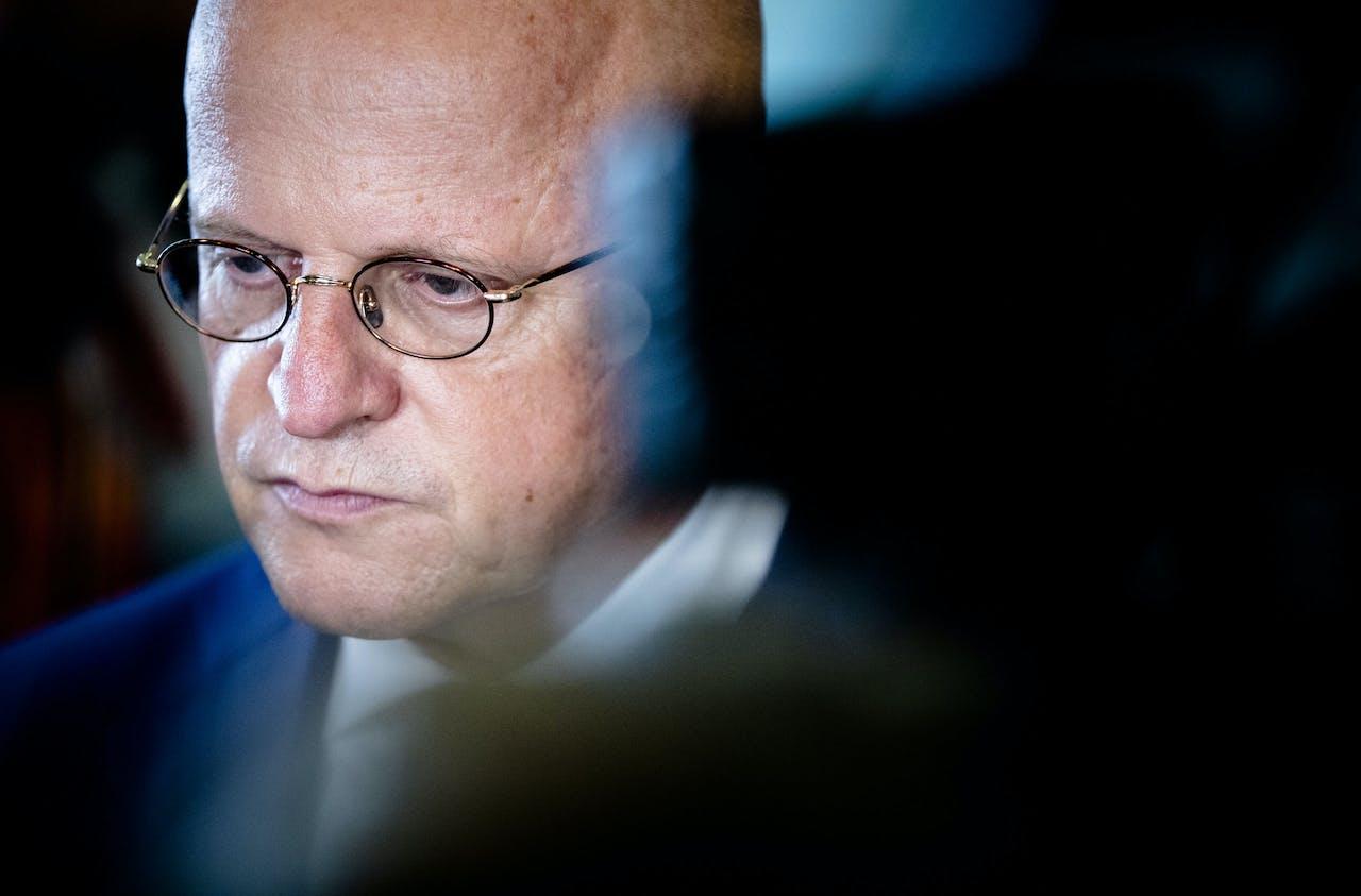 Minister Ferd Grapperhaus van Justitie geeft in de Tweede Kamer een reactie op de liquidatie van advocaat Derk Wiersum.