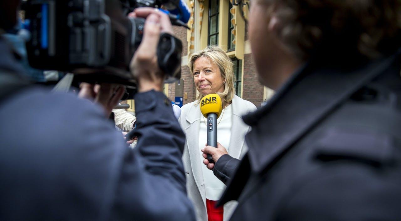 Minister van Binnenlandse Zaken Kasja Ollongren (D66) moest bij het vragenuur tekst en uitleg geven, maar kon de onvrede en zorgen niet wegnemen.