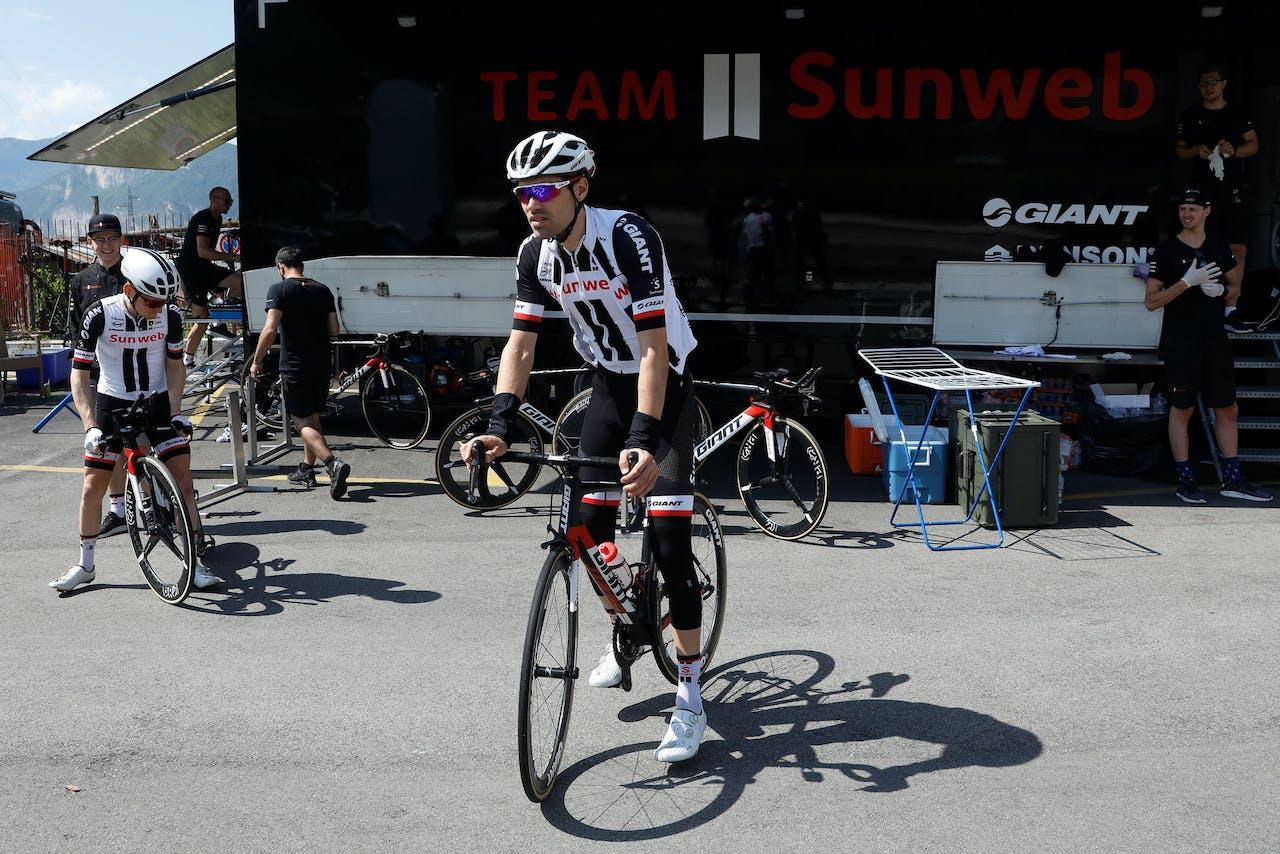 Tom Dumoulin tijdens de training op de rustdag van de Giro d'Italia. ANP BAS CZERWINSKI