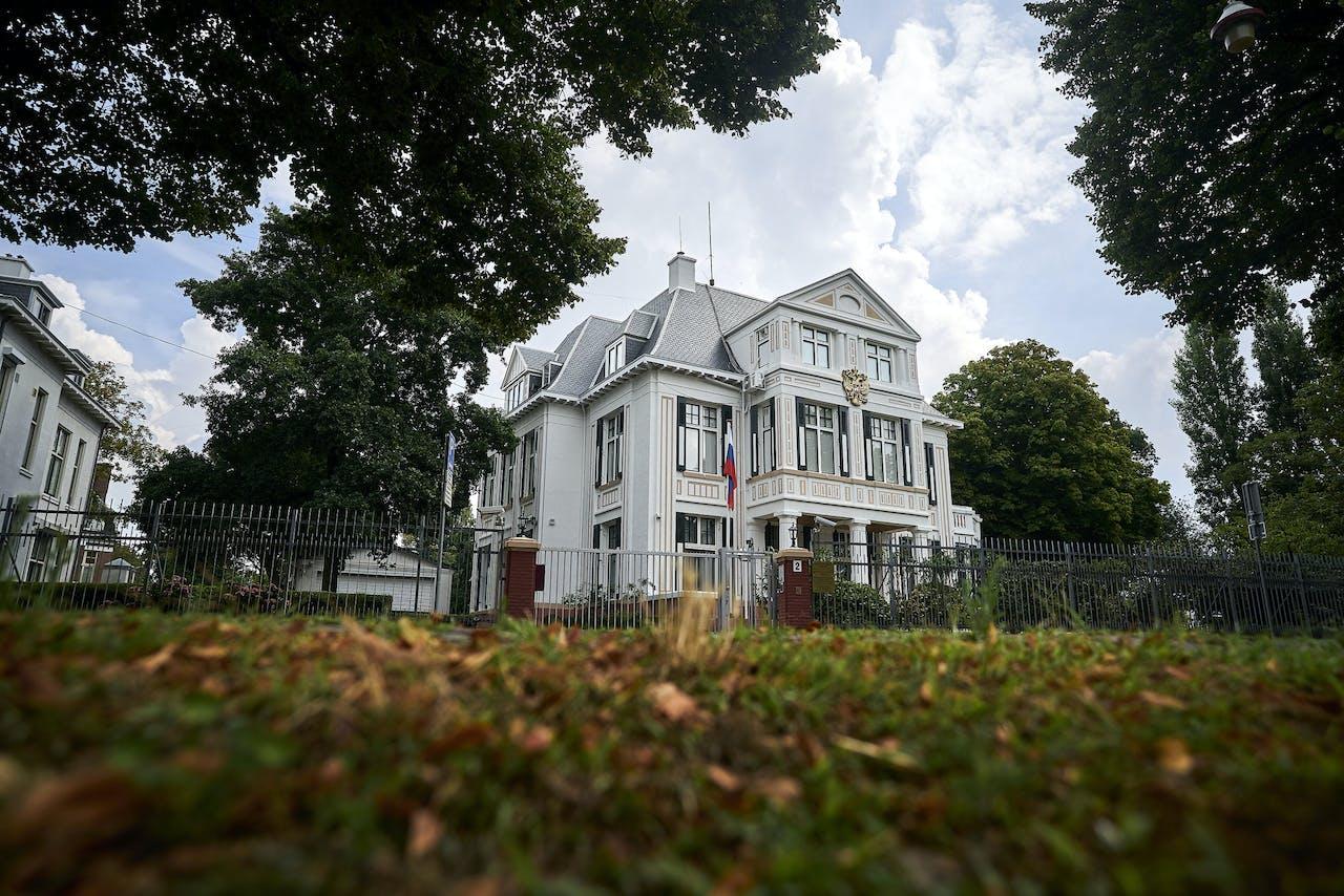 De Russische ambassade in Den Haag.