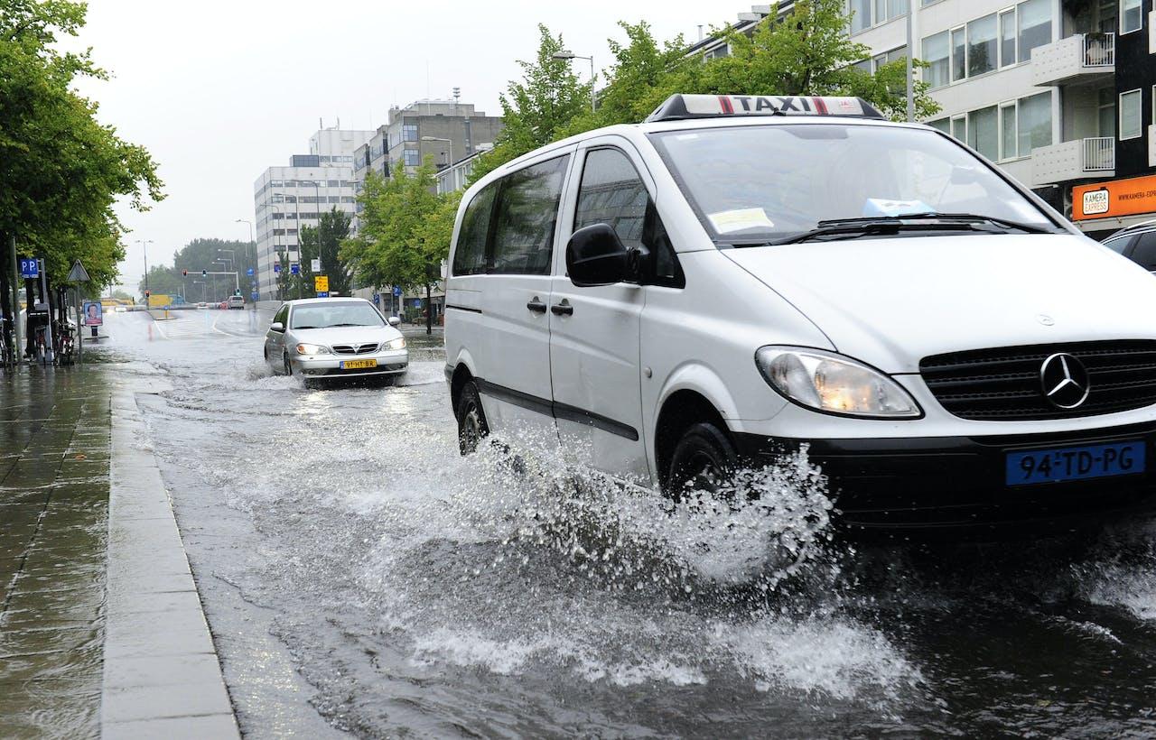 Volgens Hubert Andela wordt de taxibranche behoorlijk willekeurig geraakt door de maatregel